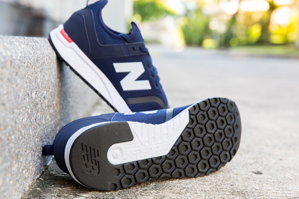 mens new balance walking shoes best